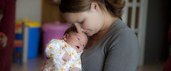 גורמים לדיכאון וקשיי הסתגלות אחרי לידה