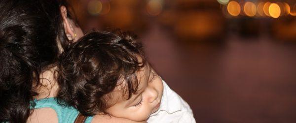 דיכאון אחרי לידה: מהו, ולמה חשוב לזהותו?